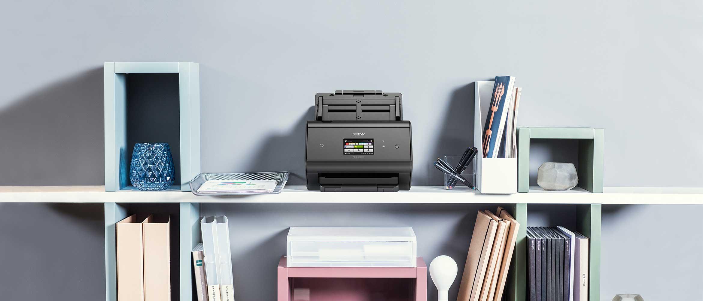 ADS-3600W stolni skener dokumenata na polici s bilježnicama
