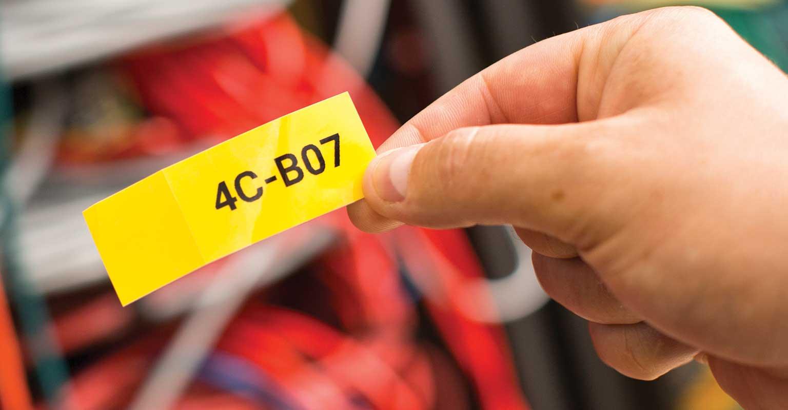Prilagođena naljepnica ispisana putem mobilne aplikacije Brother Cable Label Tool